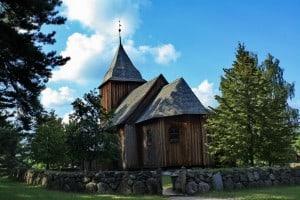 Kościół św. Barbary - Kaszubski Park Etnograficzny - Wdzydze Kiszewskie, (oryg. Swornegacie) - źródło: pomorskie.travel