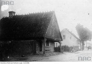 Drewniana chata podcieniowa w Tucholi