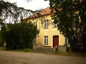 Pałac barokowo-klasycystyczny z XVIII wieku w Kamienicy gm. Gostycyn